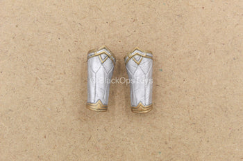 1/12 - Wonder Woman - Silver Like Wrist Gauntlets