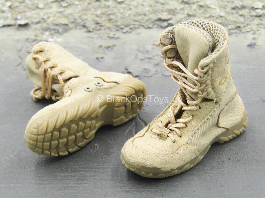 Christmas Casual Wear Tan Combat Boots (Foot Type)