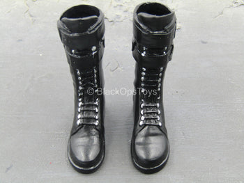 Female Outfit - Black Knee-High Boots w/Feet (Foot Type)
