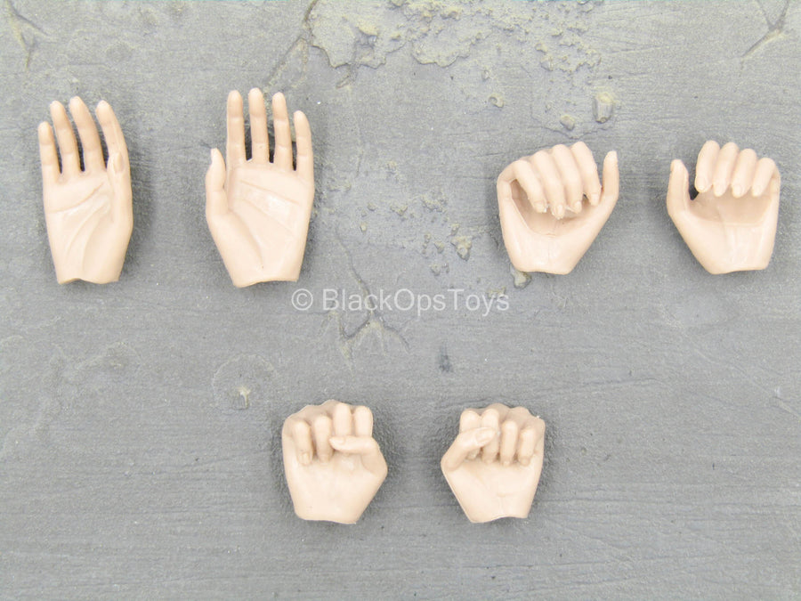 Afrika Female Officer - Female Hand Set (x6)