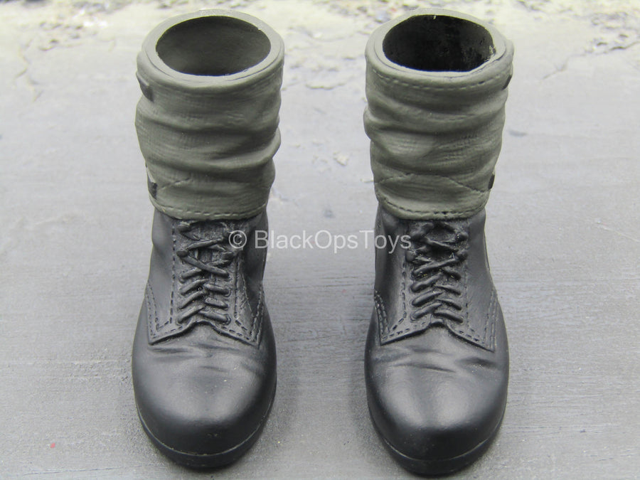 WWII - Panzerjäger NCO - Black Boots w/Molded Gaiters (Foot Type)
