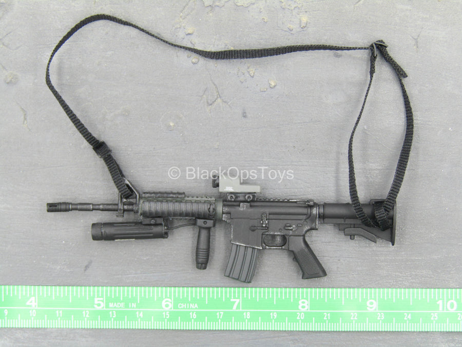 Black M4 Assault Rifle w/Attachment Set