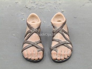 300 - Leonidas - Pair Of Feet w/Sandals (Peg Type)