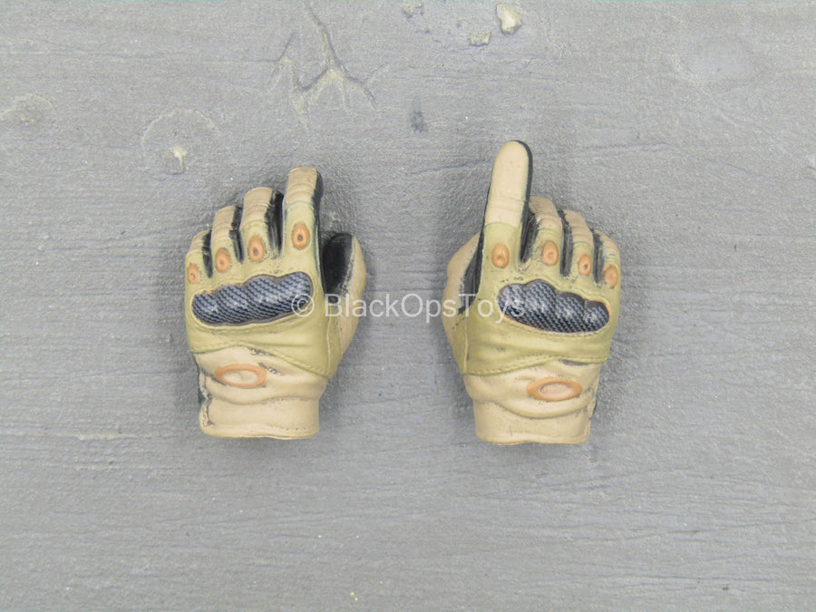 HAND - Tan & Black Right Trigger Gloved Hand Set