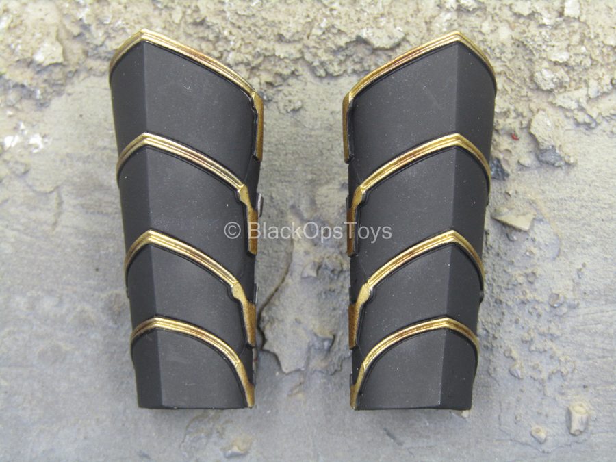 Endgame - Hawkeye - Black & Gold Like Wrist Gauntlets