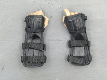 Diamond 2 ALGER - Hand Set w/Black Wrist Guards