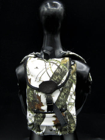 Female Winter Hunter - Mossy Oak Winter Camo Backpack