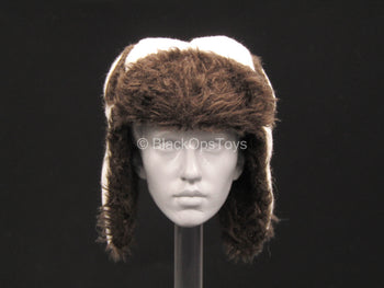 Female Winter Hunter - White Winter Hat w/Fur-Like Lining