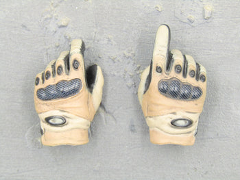 HAND - Black & Tan Gloved Hand Set