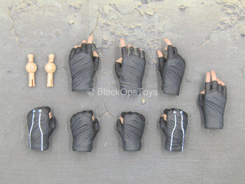 The Avengers - Black Widow - Female Gloved Hand Set