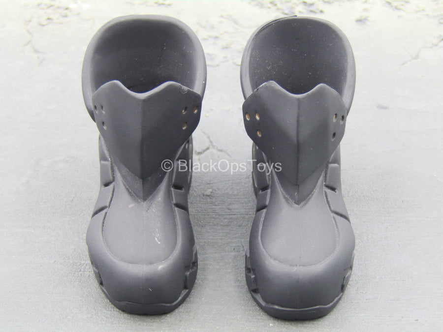 Large Black Boots (Peg Type)
