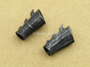 1/12 - League Of Shadows - Weathered Black Spiked Gauntlets