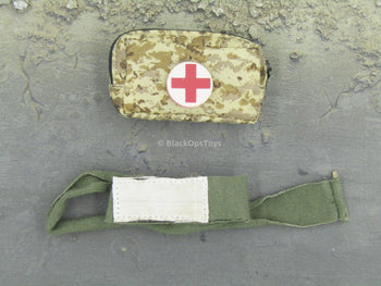 DOOMSDAY SURVIVOR - Camo First Aid Pouch & Bandage Set