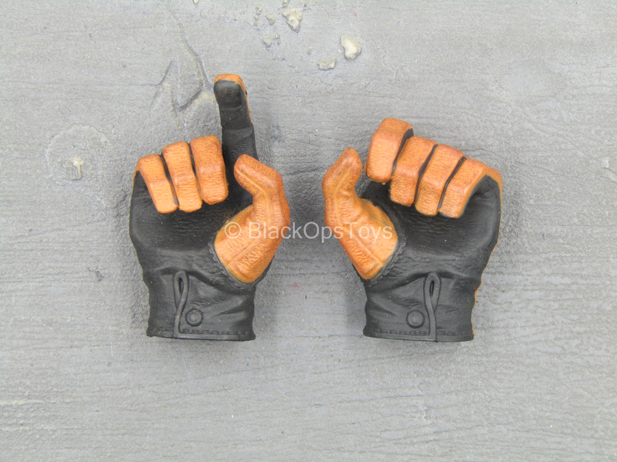 Club 3 - Peak Chen - Brown & Black Right Trigger Gloved Hands