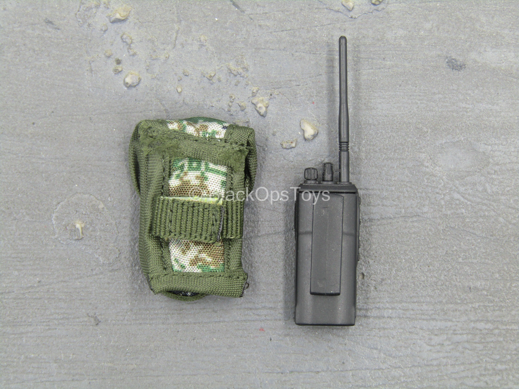 PLA UN Peacekeeper - Radio w/Type 07 Pixelated Pouch