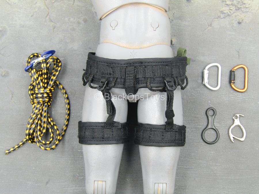 S.W.A.T. Commando - Rappelling Harness w/Carabiner & Rope Set
