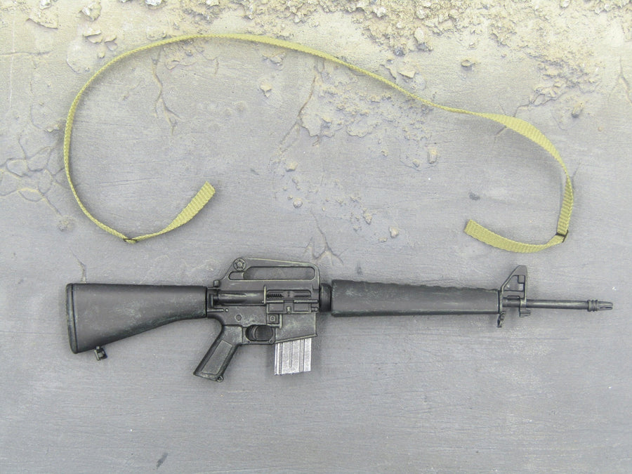 WEAPON - M16 Asault Rifle w/Rifle Sling