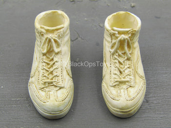 Shaun Of The Dead - Ed - Weathered Shoes (Foot Type)