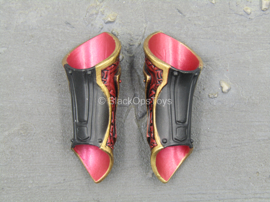 Sariah Goddess Of War - Red & Gold Like Wrist Gauntlets