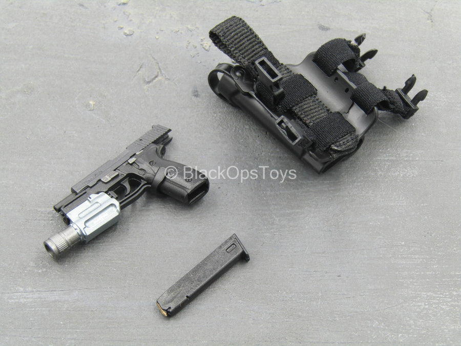 SMU - USA Exclusive Operator - P226 Pistol w/Drop Leg Holster