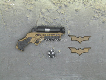 Batman Begins - Batman - Grapple Gun w/Batarangs & Bomb