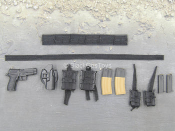 Grey Man Ver. B - Hook & Loop Belt w/MOLLE Platform & Pistol Set