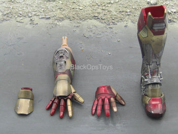 Iron Man 3 - Tony Stark - Right Arm Armor w/Left Leg Armor