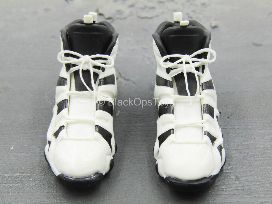 Kobe Bryant - White & Black Basketball Sneakers (Peg Type)
