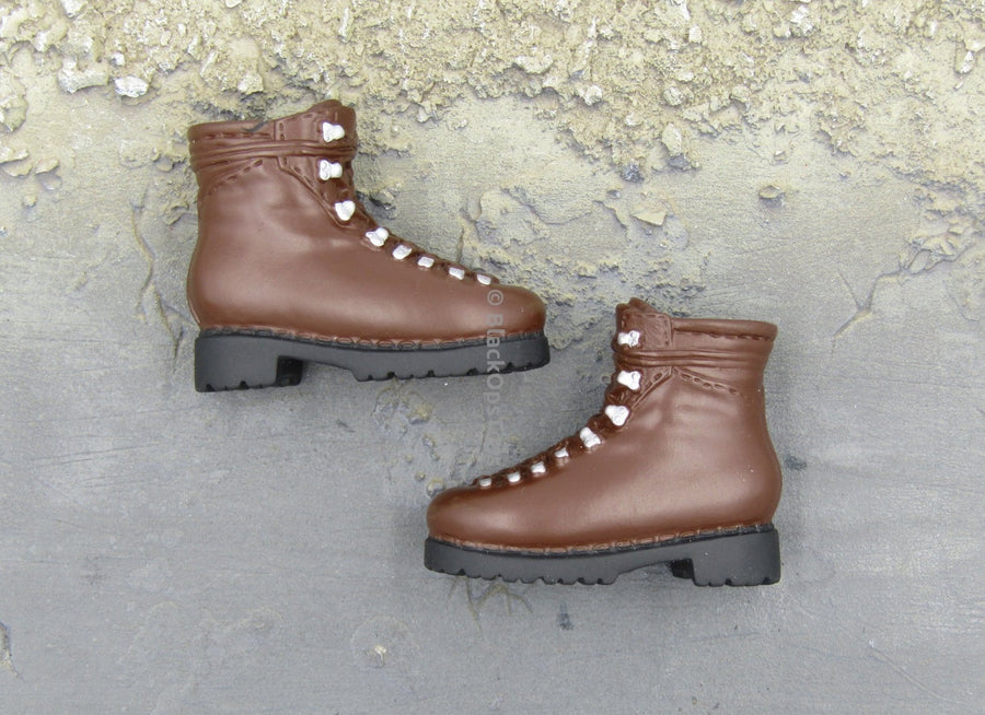 Brown Boots (Foot Type)