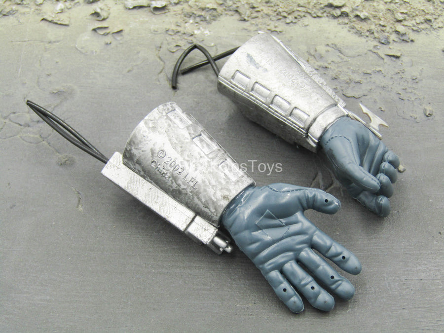 Star Wars - Jango Fett - Right Trigger Hand Gauntlets w/SaberDart