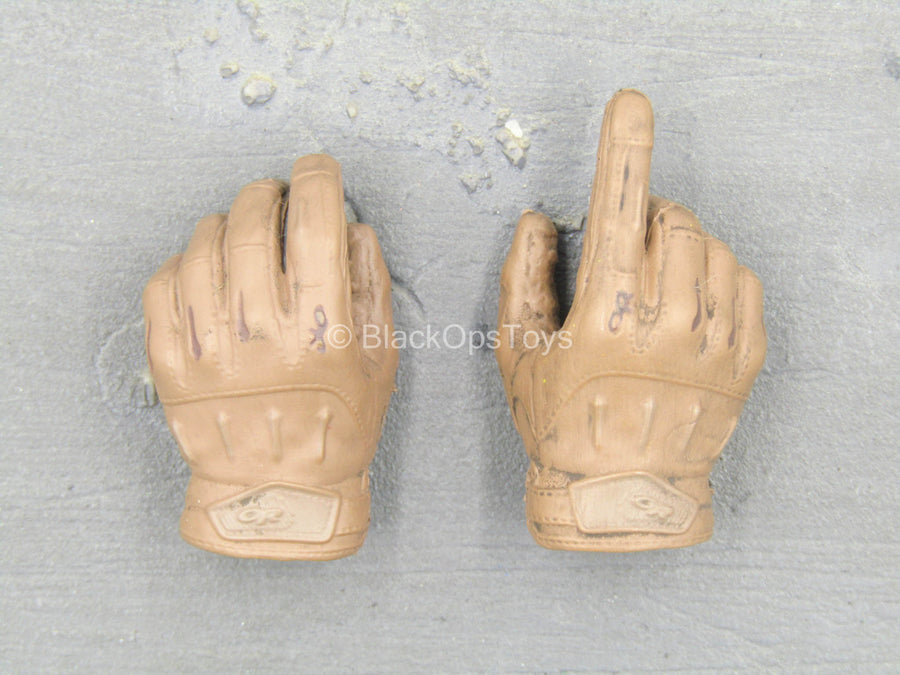HAND - Brown Right Trigger Gloved Hand Set