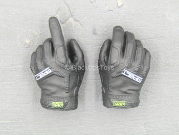 HAND - Black Gloved Hand Set