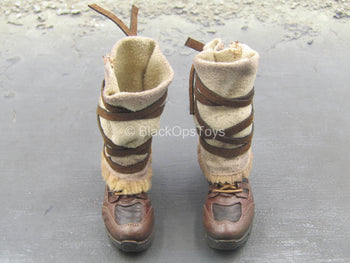 Apexplorers - Ice & Laser - Brown Boots w/Tan Gaiters (Peg Type)