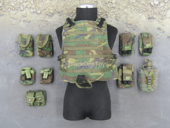 ACE - Woodland Plate Carrier Vest w/Pouch Set