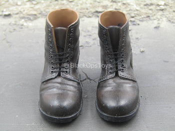 WWII - Brown Boots w/Laces (Foot Type)