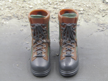 Brown & Green Hunting Boots (Foot Type)