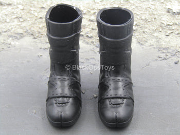 Black Armored Combat Boots (Foot Type)