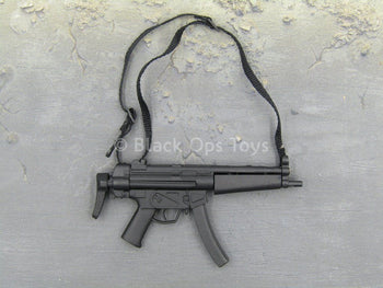 TOMB RAIDER - Laura Croft - MP5 Submachine Gun