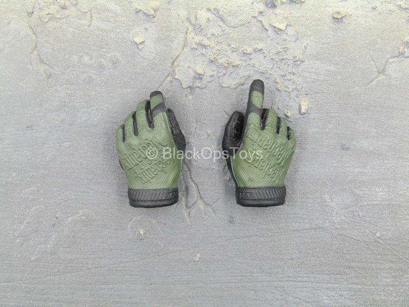 SMU Quick Response Force - Green & Black Right Trigger Gloved Hand Set