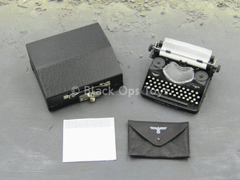WWII - German Typist Sophie - Typewriter & Case Set