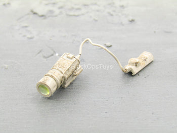 Medal of Honor - Preacher - Tan Tac Light w/Pressure Switch
