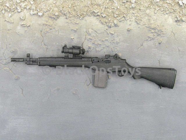 One Sixth Scale Model Black M14 with Red Dot Sight 035