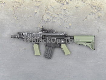 One Sixth Scale Model M4 with Short Barrel, Foregrip and Cobra Red Dot Sight