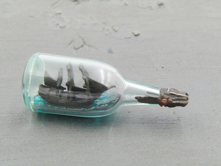 "Pirates of The Caribbean Jack Sparrow ""The Black Pearl"" Ship In A Bottle"