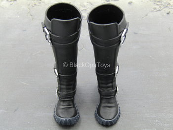 Catwoman Exclusive - Right Action Pose Boot Set (Peg Type)