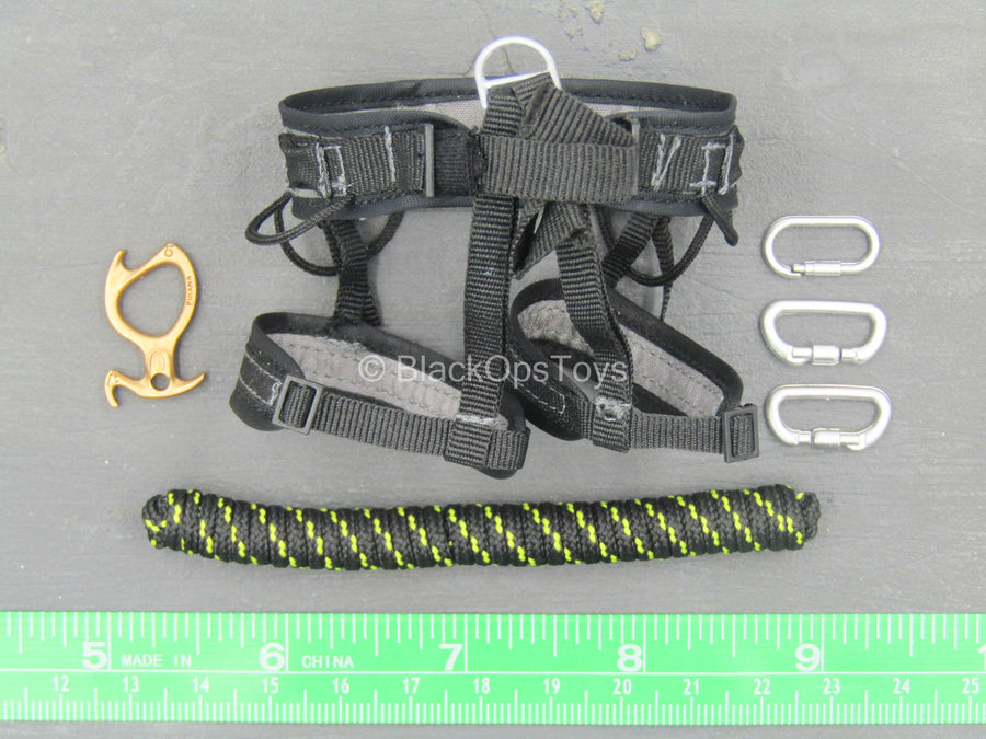 Chinese People's Armed Police - Black Harness w/Carabiner Set