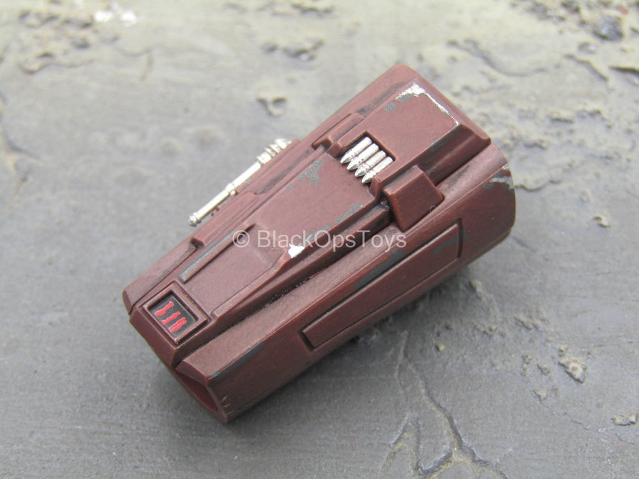Star Wars - The Mandalorian - Right Red Beskar Gauntlet