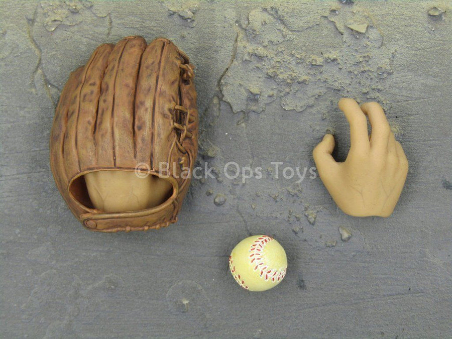The Great Escape - Steve McQueen - Baseball Mitt & Ball Set