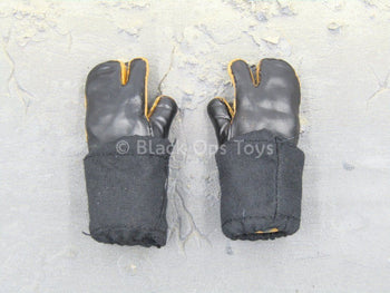 U.S. Army - 10th Mountain Div. - Snow Gloved Hands w/Covers