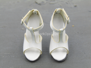 White High Heel Shoes (Foot Type)